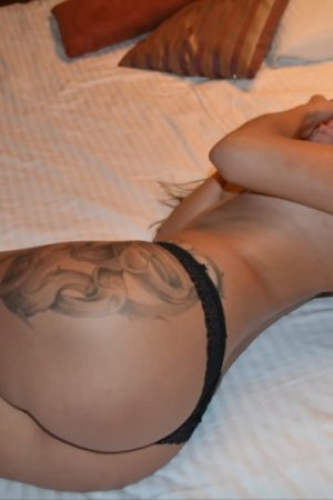 Shella escort girl in Westwood, sex parties