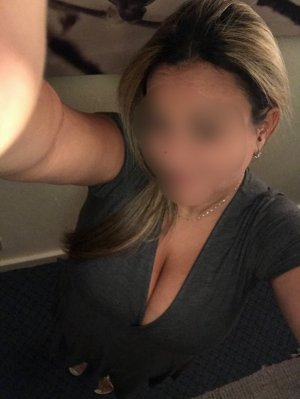 Fauvette independent escorts in Union City NJ