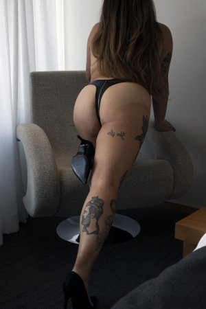 Ihssene sex club in Spencer, outcall escort
